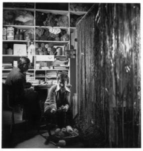 Herman en Desiree Scholten in hun atelier, midden jaren zeventig (foto: privebezit).