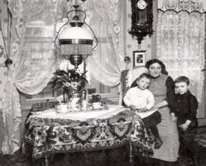 Meer licht huisvrouw en kunstlichtdictaat 1900 1940 for Interieur 1900